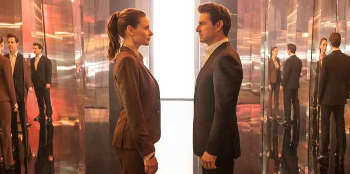 Rebecca-Ferguson-and-Tom-Cruise-in-Mission-Impossible-Fallout-cropped